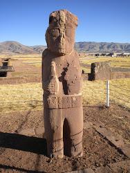 Prêtre de Tiwanaku, semi-dieu