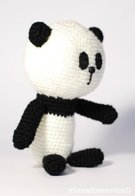 oso panda hecho con amigurumi ganchillo crochet ganxet