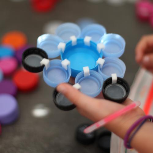 Mes enfants ont test le jeu et l ont ador voici - Creation avec des bouchons ...