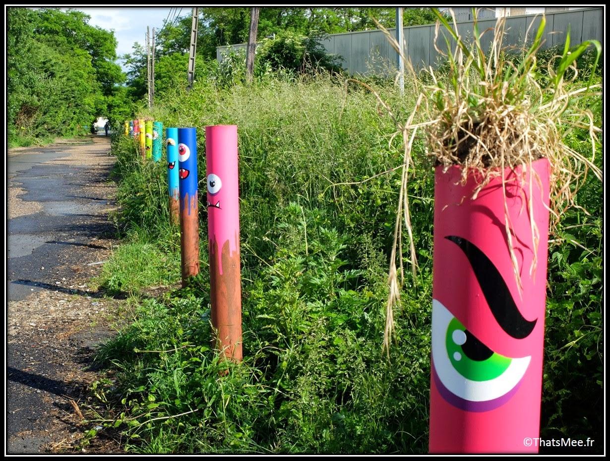 poteaux taggués graffitis Festival Street Art In Situ Fort d'Aubervilliers