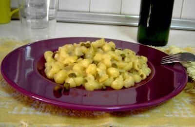 Pasta con puré de sidra y alcaparras