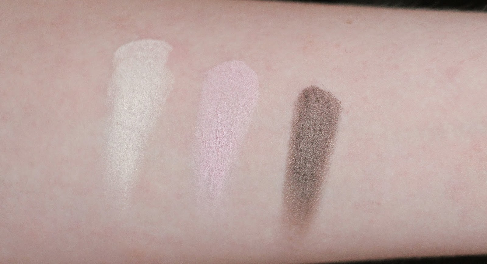 swatches catrice velvet matt eyeshadow  vanillaty fair  pink-up girls   jump up and brown