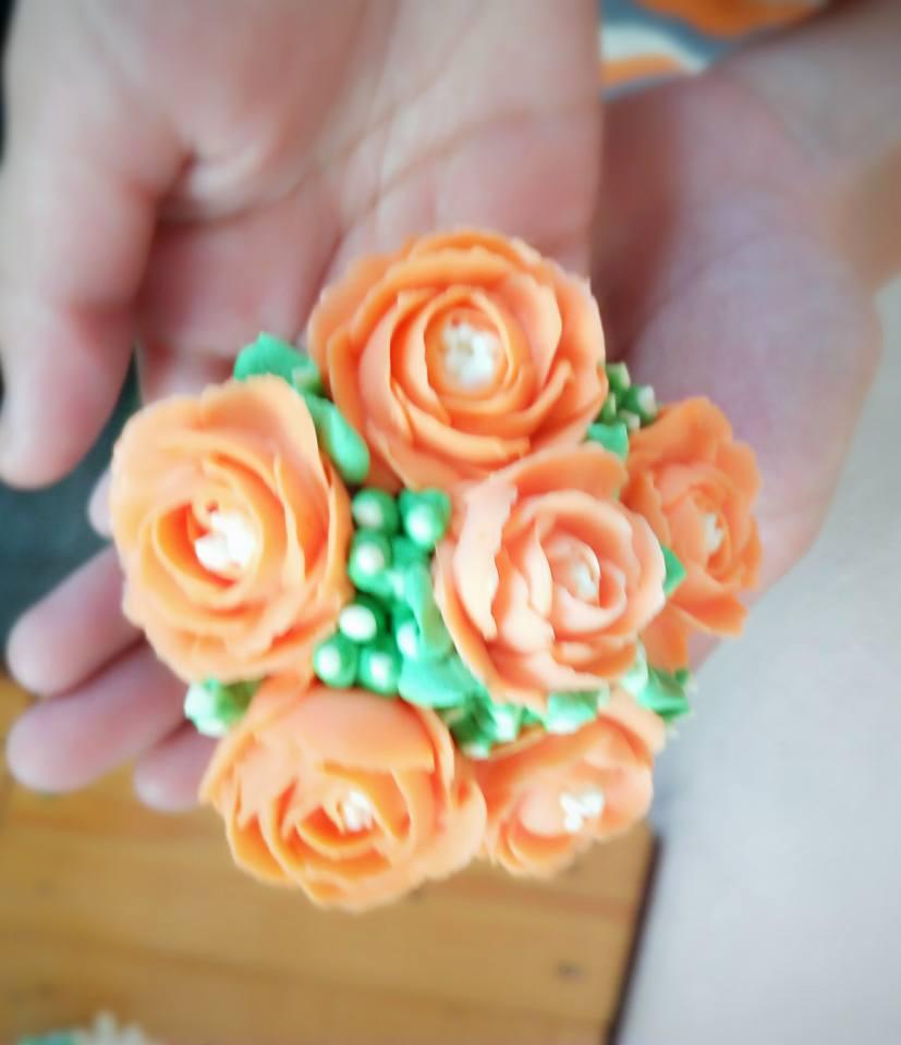 FLOWER BUTTERCREAM