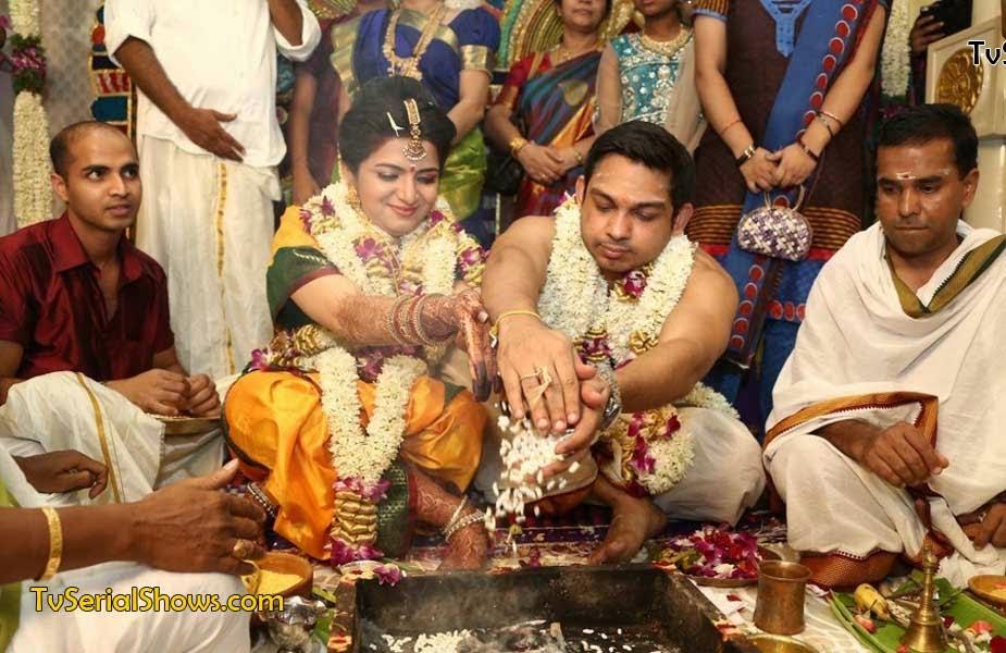 Click Here For Vijay Tv Anchor Divyadarshini Dd And Srikanth