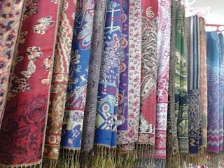 Grosir Pashmina Batik Metalik