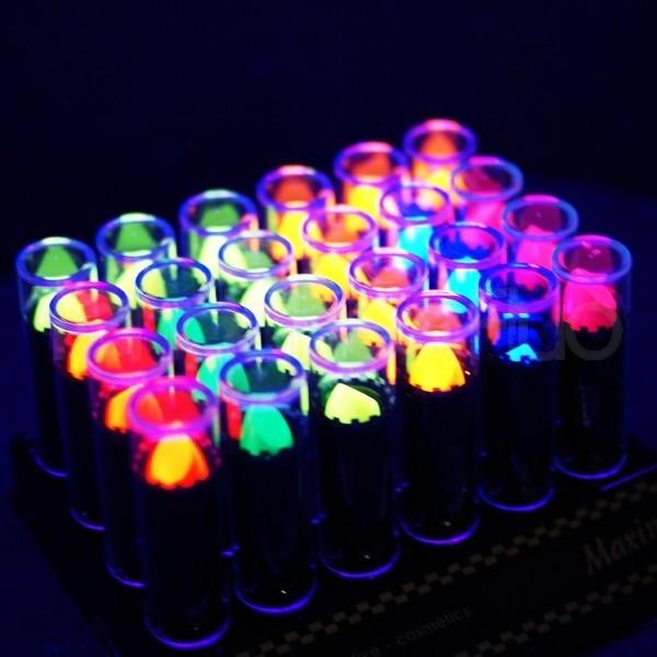 Les rouges à lèvres fluorescent  S\u0027illumine sous la lumière noire UV.  L\u0027indispensable pour les soirées en discothèques.