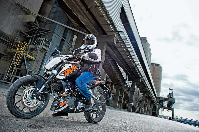 KTM 125 Duke ABS Bikes HD Wallpapers