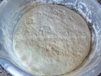 Pizza Margherita preparare blat