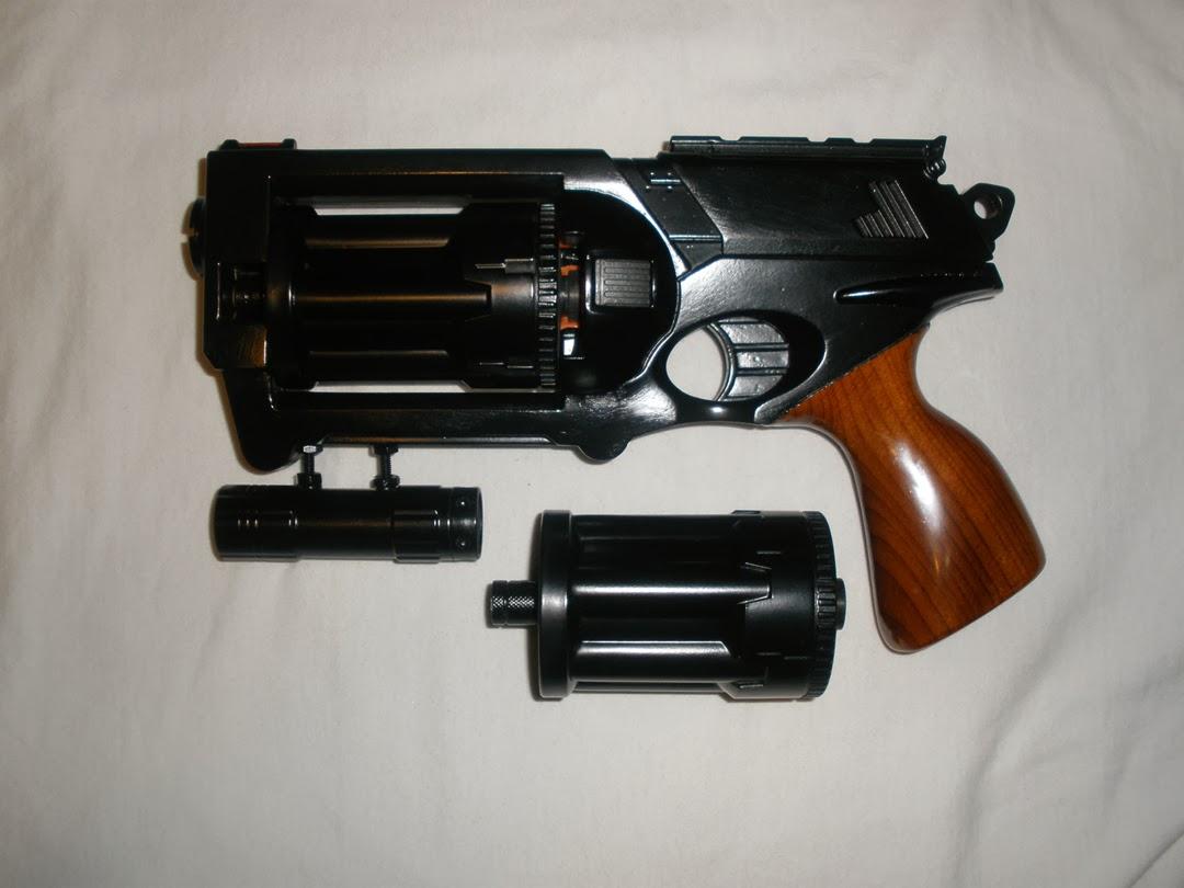 фальшивый пистолет Ops_pic