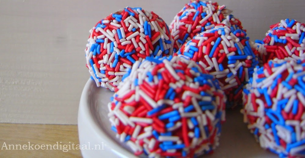 rood wit blauw cakepops Annekoendigitaal
