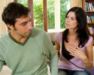 Suami Pilih Ngumpet di Kamar Mandi Saat Istri Ngomel