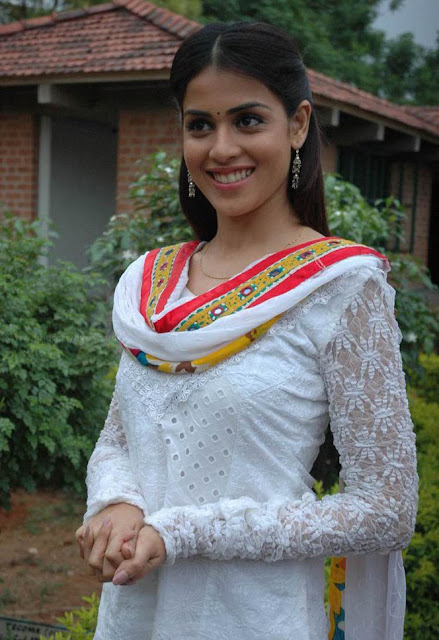 Genelia Cute Photos