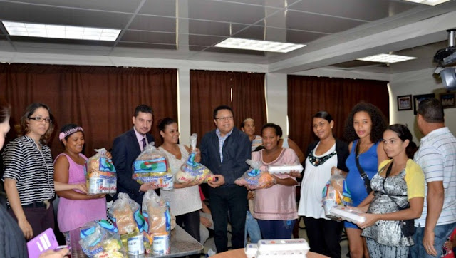 Comedores econ micos entrega alimentos en siete provincias for Comedores baratos en santiago