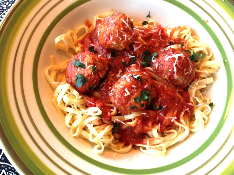 Lex's Life as a New Wife: Crock Pot Italian Turkey Meatballs