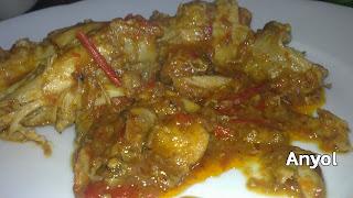 pollo en salsa de pimientos