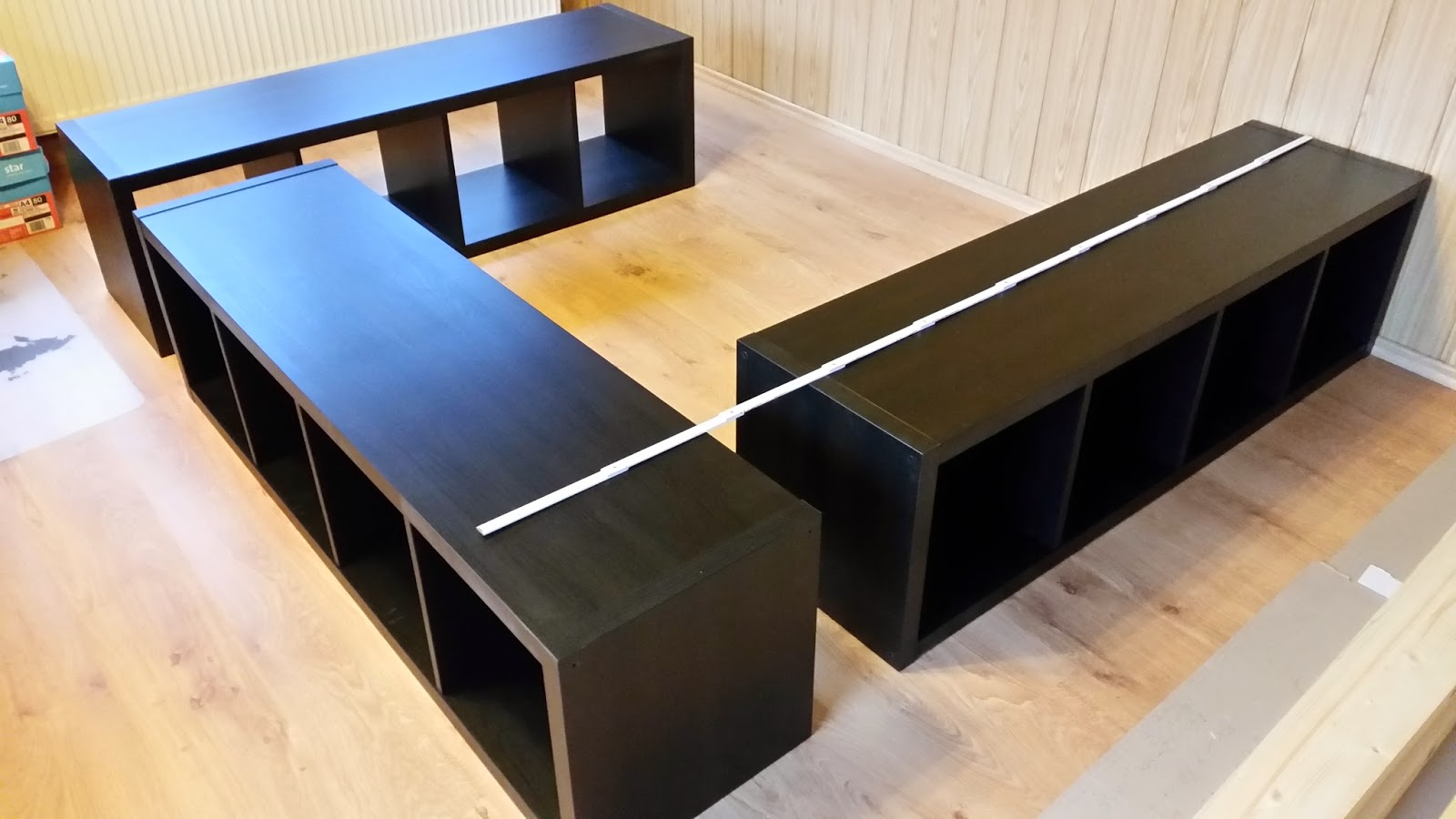 ikea hack aus kallax wird ein bett. Black Bedroom Furniture Sets. Home Design Ideas