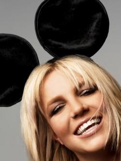 HOLD IT AGAINST ME (Britney Spears) Britneyspearsmousehousegirl-e1300894843208
