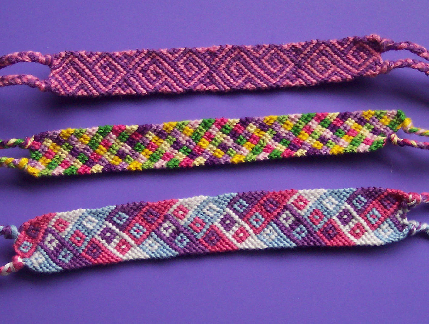 bracelet picture a knots bands steps lots the in friendship kitchen of tutorial easy red