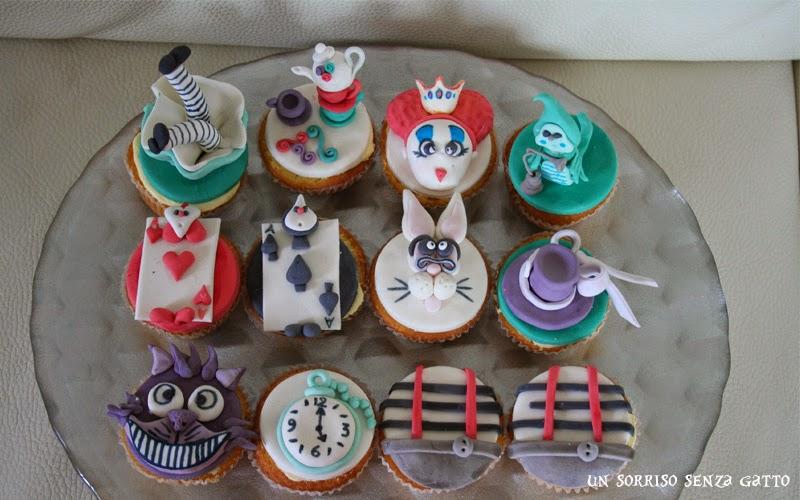 Favorito Un sorriso senza gatto: Torta a tema Alice in Wonderland UR18