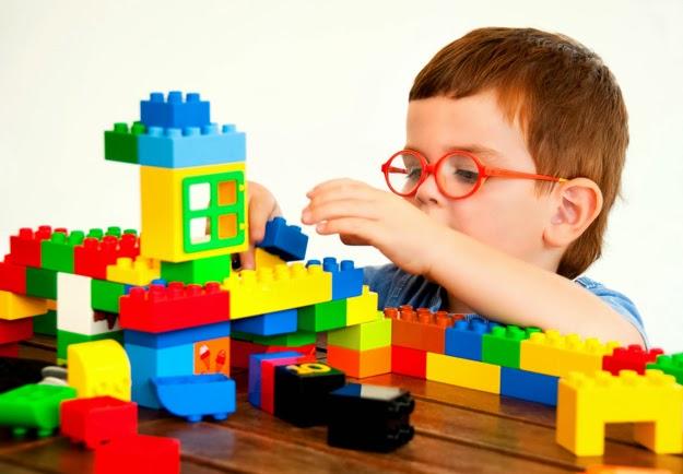 Atividades Estimulação Infantil com blocos Lego