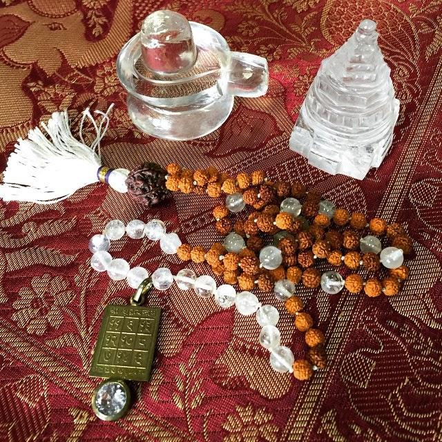 http://www.mogulinteriordesigns.com/search.htm?keyword=Yantra