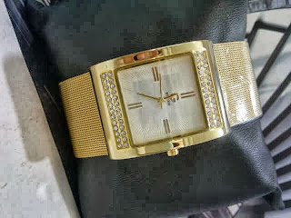 Jam Tangan Guess Pasir Diamond Gold