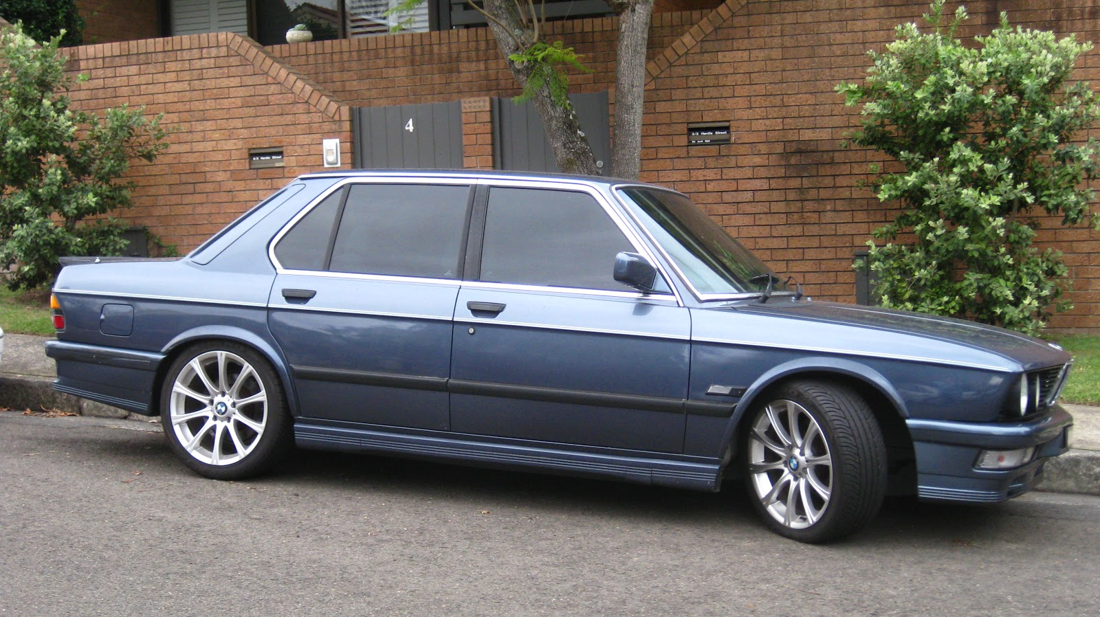1985 BMW M535i (E28)-2.bp.blogspot.com
