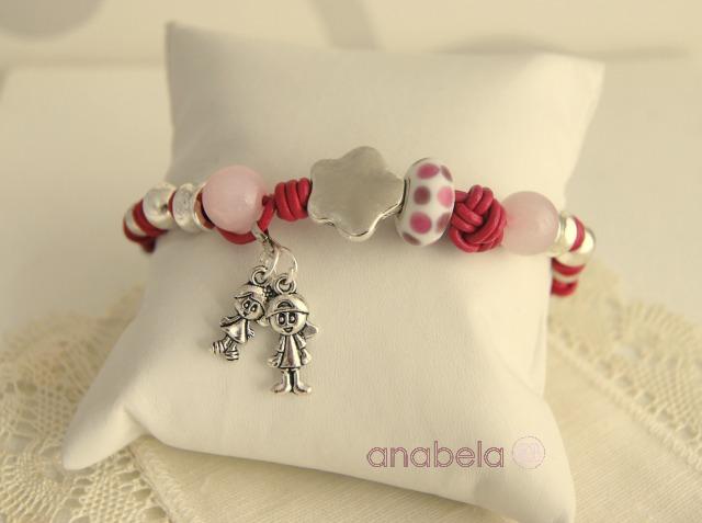 pulsera-cuero-rosa-charm