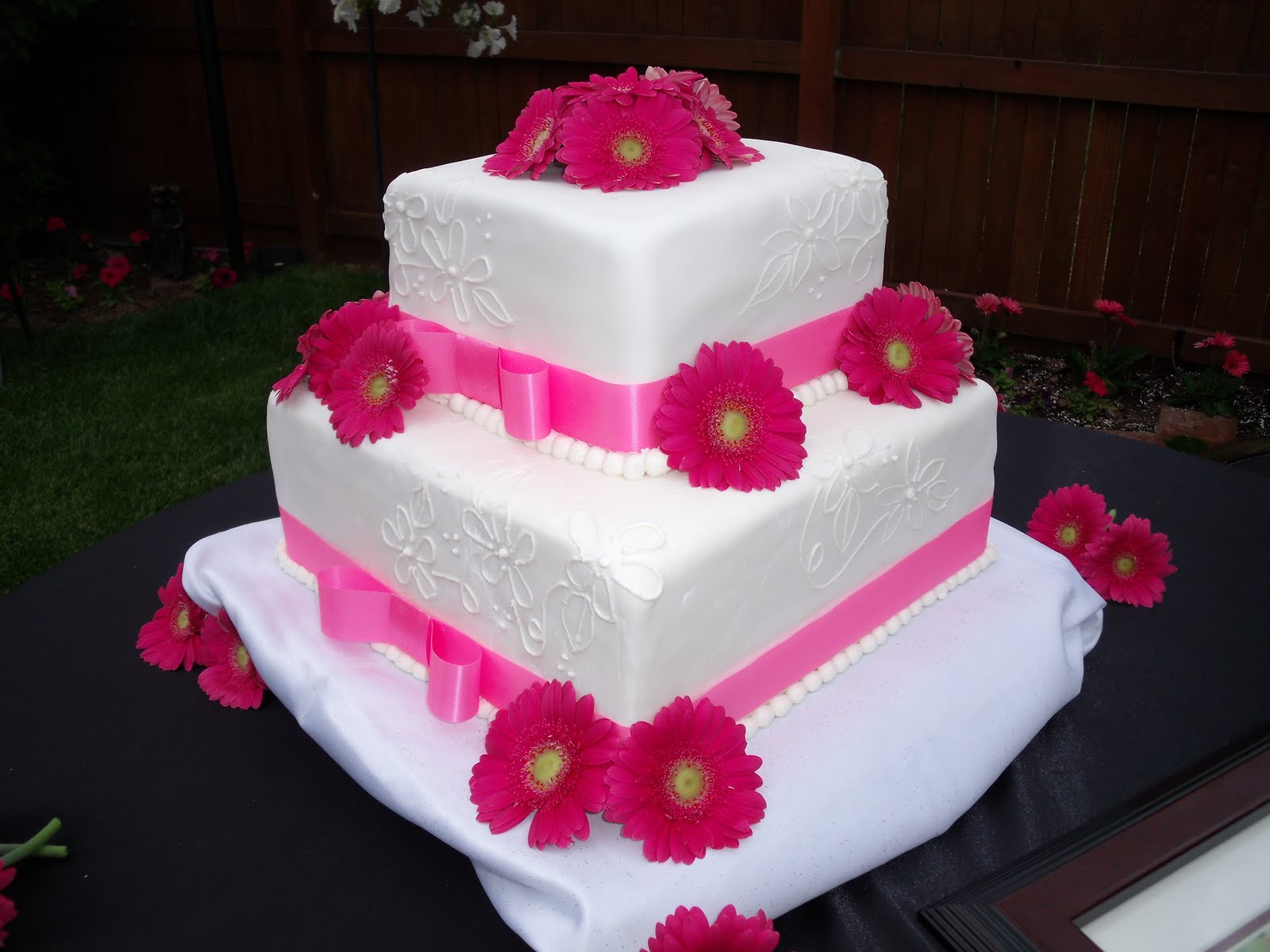 Marli\'s Cakes and Creations: Misty\'s Wedding Cake