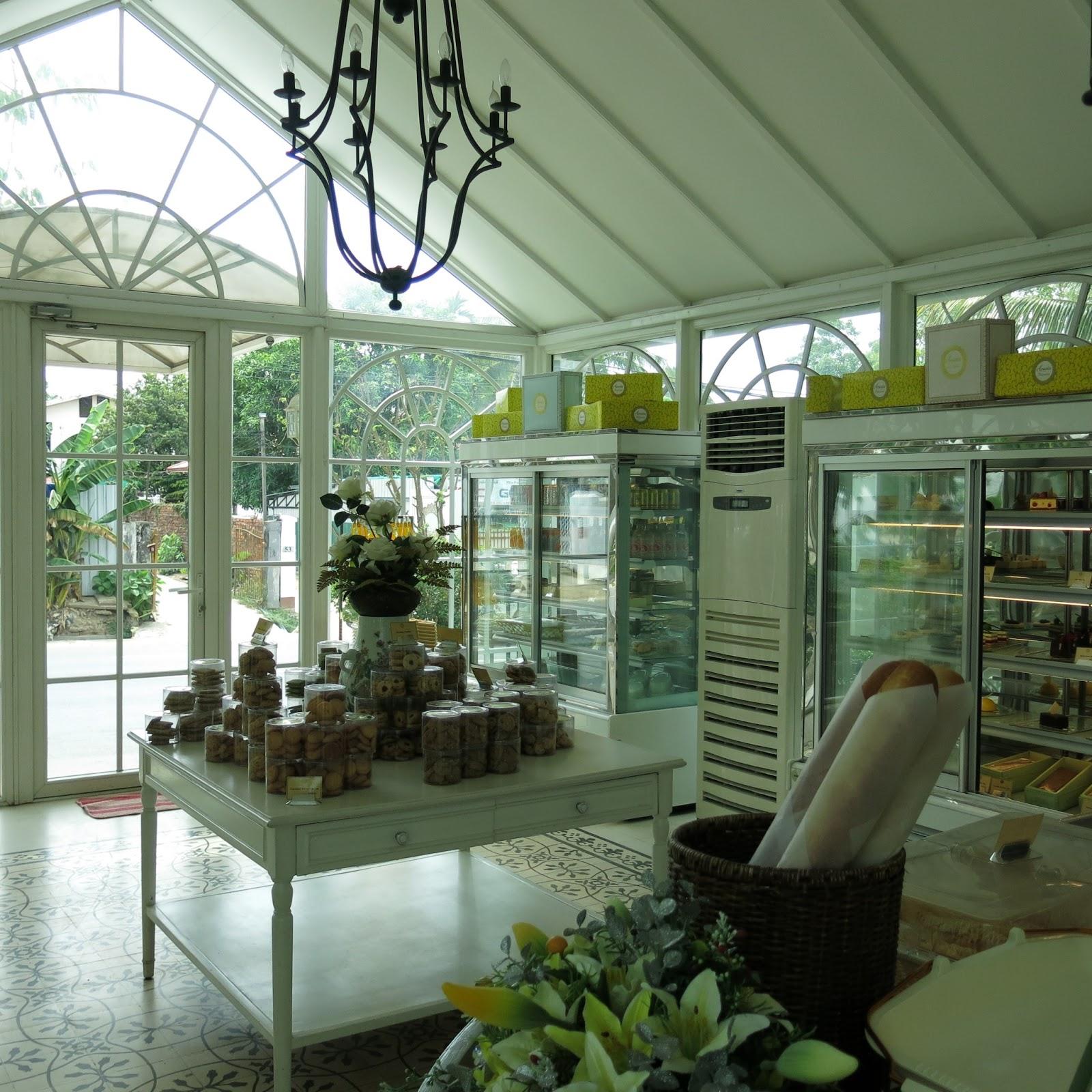 Missyimply acacia tea salon yangon myanmar for Acacia salon amherstburg