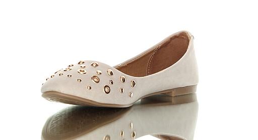 Baleriny zdobione ćwiekami z cyklu czas na buty