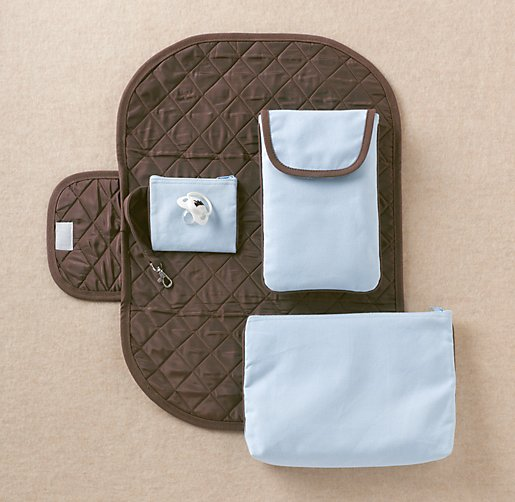 Bassinet Essentials Kit4