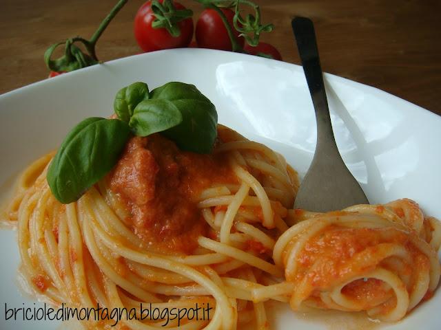 spaghettini al pomodoro crudo
