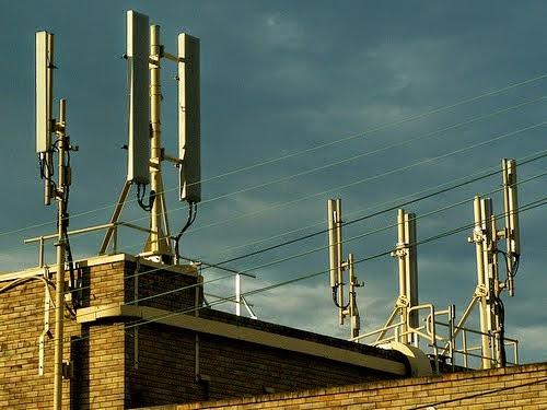 Non à la prolifération des antennes relais dans les zones habitées