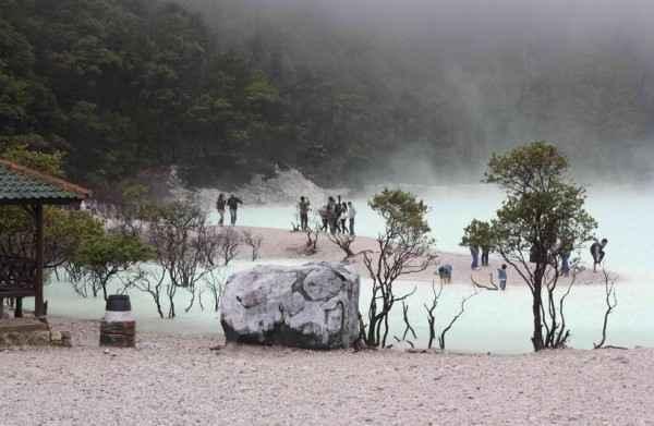 Paket Wisata ke Kawah Putih Ciwidey Bandung Murah