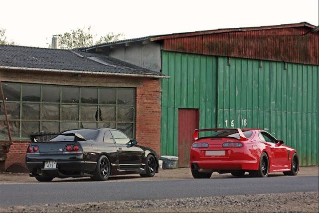 Nissan Skyline R33 GT-R & Toyota Supra MK4 JZA80 godzilla kultowy piękny znany szybki japoński sportowy samochód coupe JDM