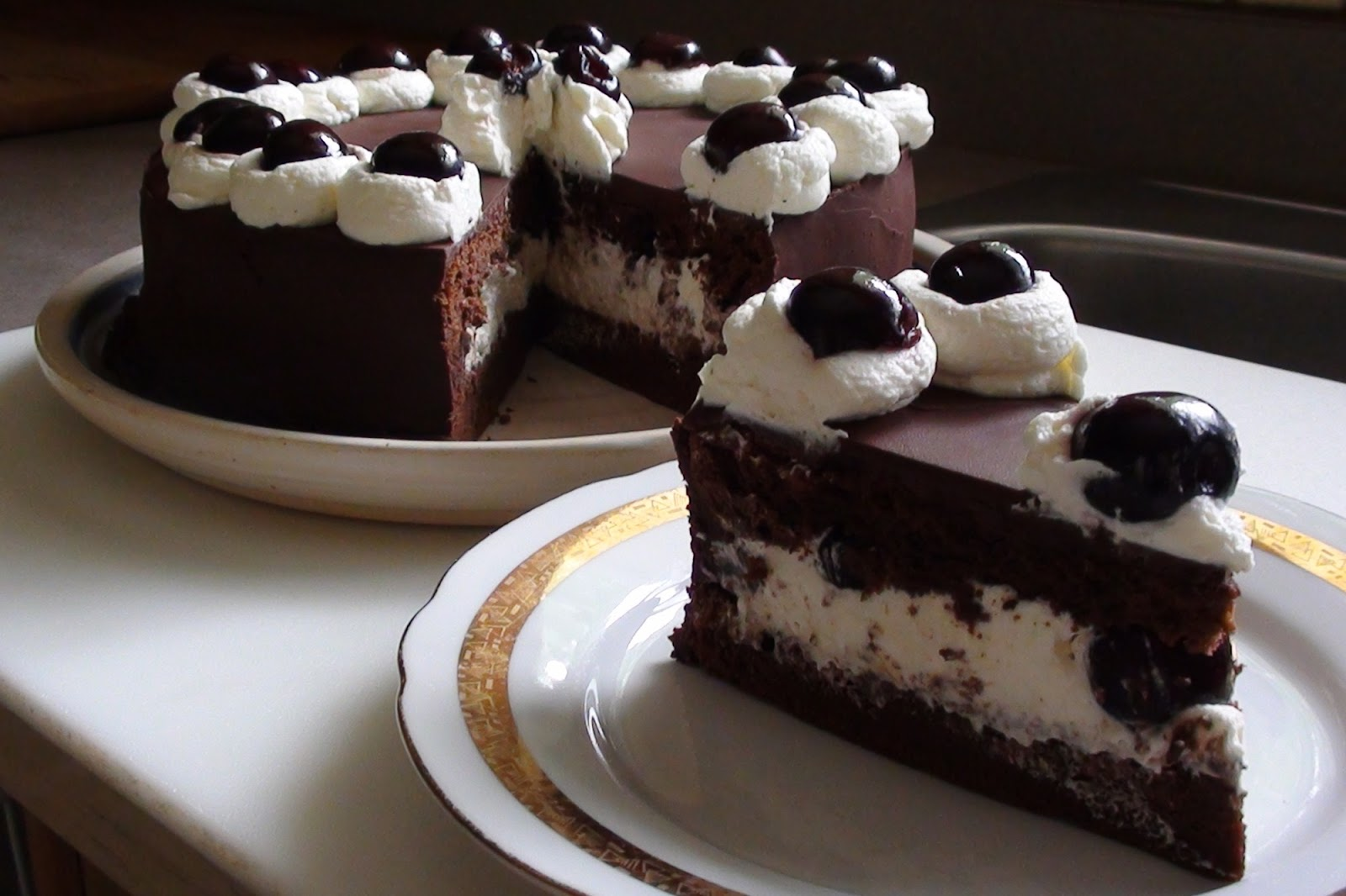 Best Black Forest Cake Images : zsuzsa is in the kitchen: BLACK FOREST CAKE