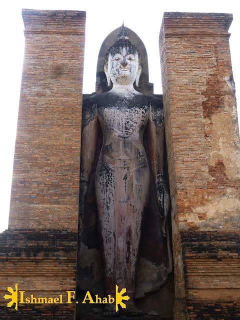 Standing Buddha statue of Sukhothai Historical Park