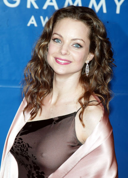 kimberly-williams-paisley-porno-gleave-boobs