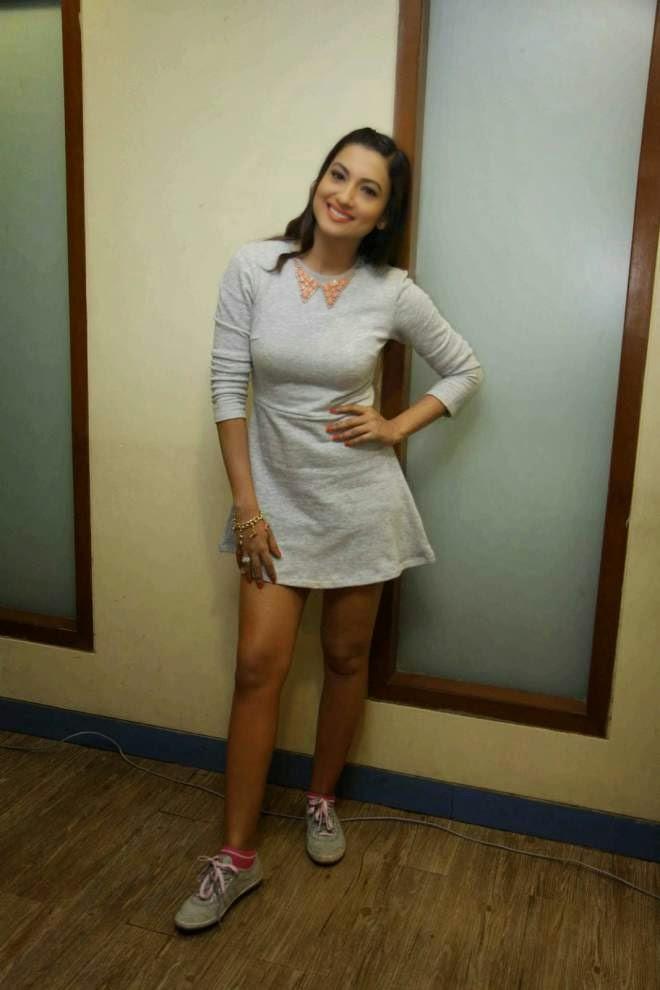 gauhar khan milky legs show photos