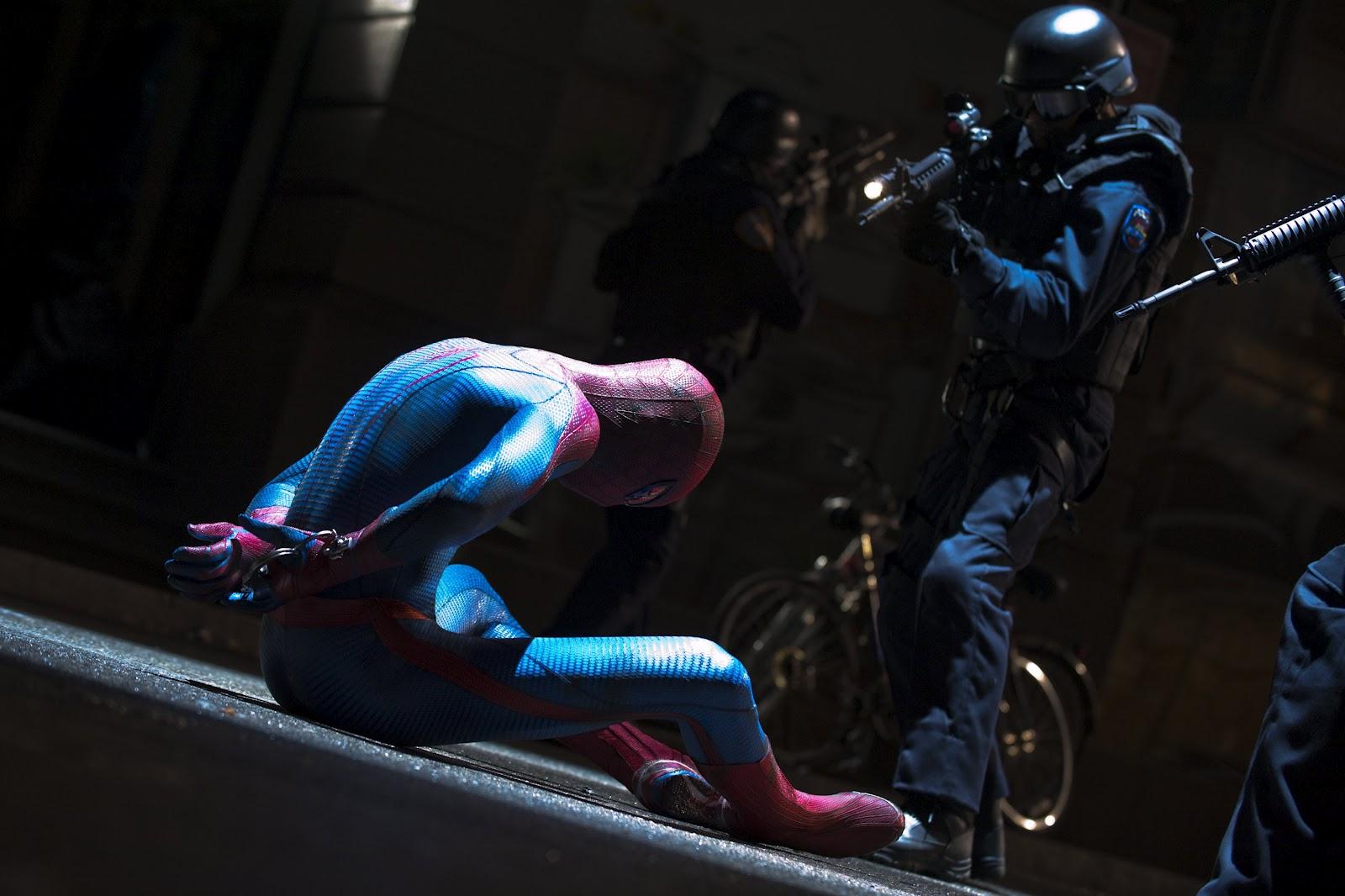 http://2.bp.blogspot.com/-RecsdpWEBJ0/T7Qq9_fCPjI/AAAAAAAAFBM/yDqJv2TdeuE/s1600/the-amazing-spider-man-andrew-garfield-images-2012.jpg