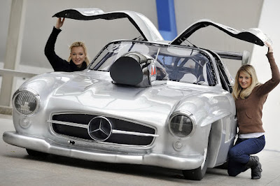 Mercedes-Benz Girl USA Auto Cars