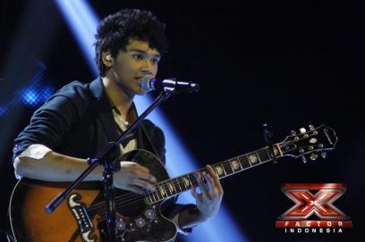Mikha Angelo berada di Bottom Two (X Factor)