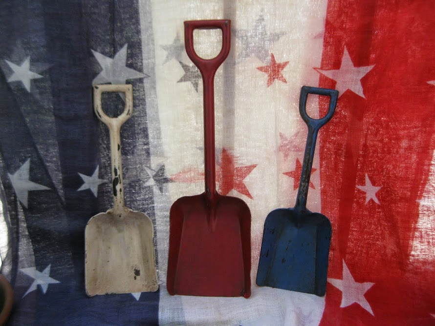 sand shovels