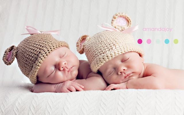 Image b b jumeaux dormir ensemble b b et d coration for Ensemble chambre bebe