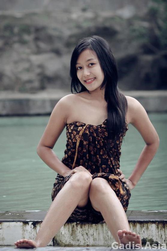 model berkebaya dan sangat seksi   gadis asia