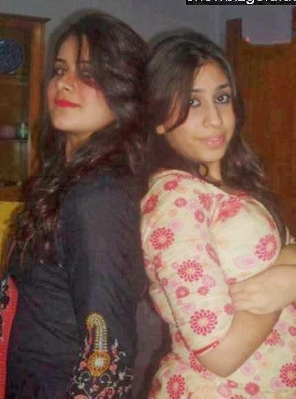 Beautifl Sexy Pakistani Girls Hot and Charming