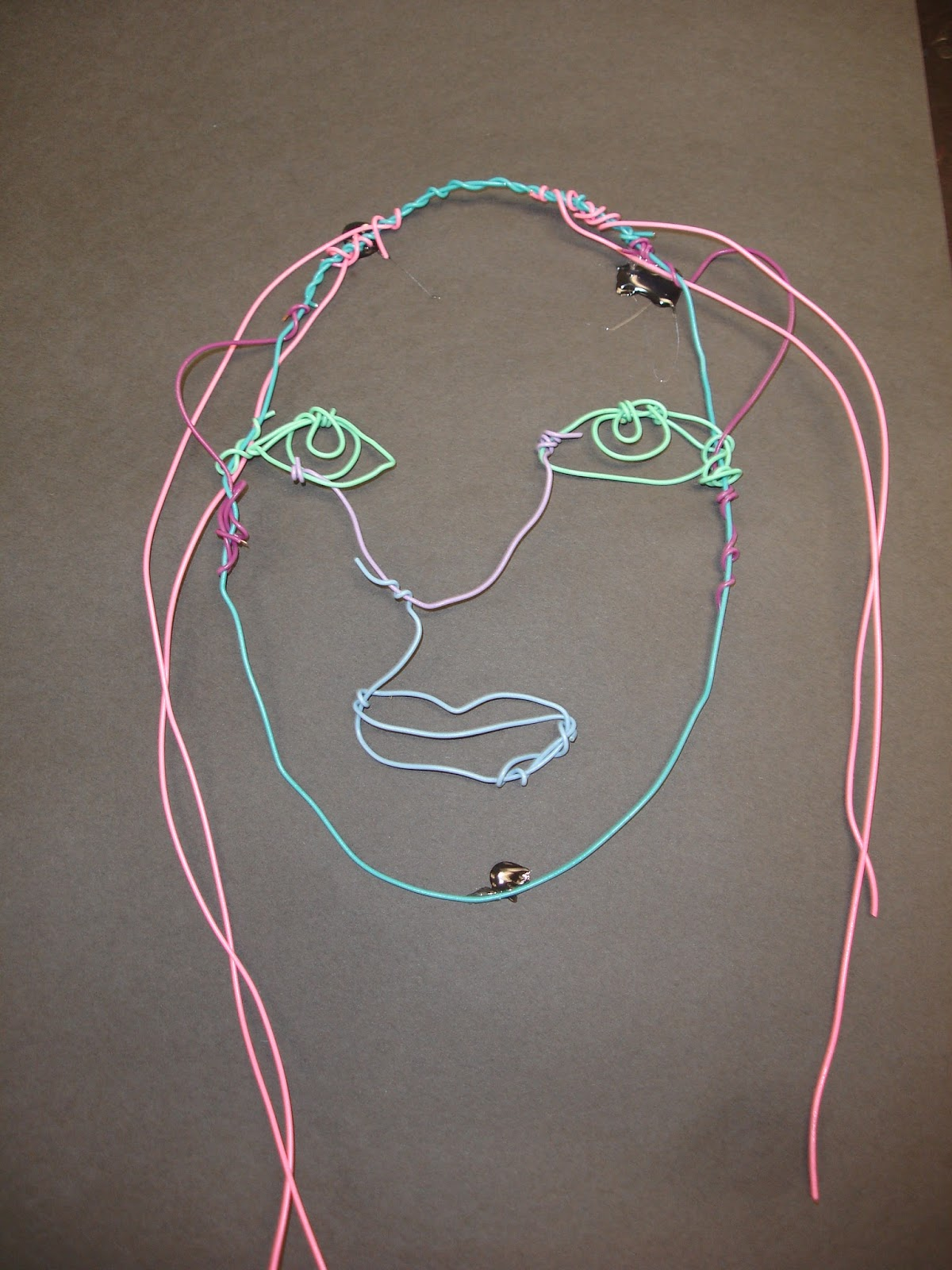 Mrs. O\'Connell\'s Art Room: Calder Wire Portraits