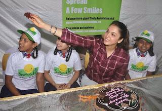 Isha koppikar Birthday Celebrations with 'Smile' NGO's Kids