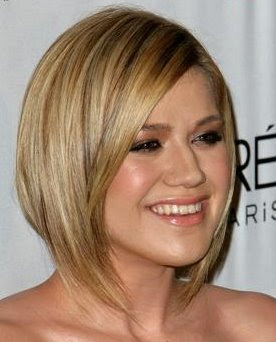 http://2.bp.blogspot.com/-RgN4WHo6WOU/TcY4do_1gyI/AAAAAAAAAJM/1_TViv-e4N0/s400/short+hairstyles+for+round+faces.jpg